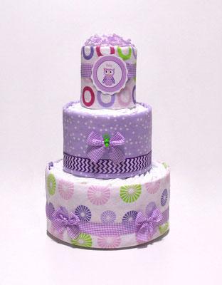 Торт из памперсов и красивых пелёнок