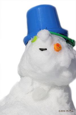 ペットボトルで雪だるま