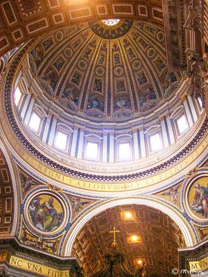サン・ピエトロ大聖堂のドーム内