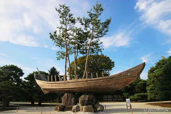 ツァイ・グオチャン「盆栽の船」①(東アジア文化都市現代美術展2017年)
