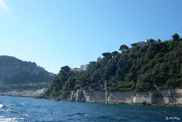 カプリ島のボートからの風景②