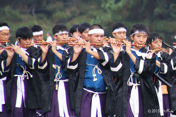 志気を鼓舞する軍楽隊(明治維新時代 維新勤王隊列 )