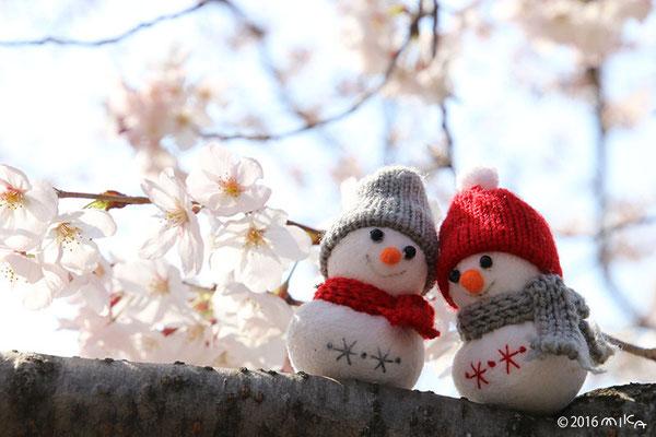 冬来りなば 春遠からじ(雪だるま)