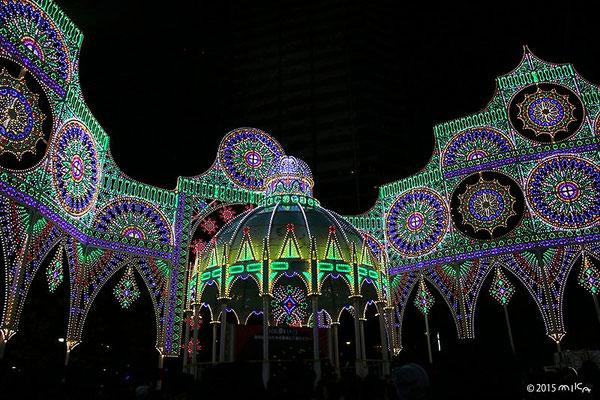 カッサ・アルモニカ(光の記念堂)神戸ルミナリエ2015年