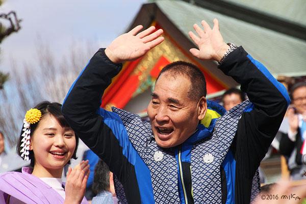 宮川大助さんと林真帆さん(成田山節分祭2015年)