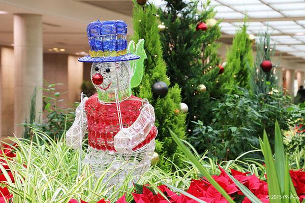 ガーデンアベニュー(オオサカガーデンシティ)の青い帽子のスノーマン(梅田スノーマンフェスティバル2015)