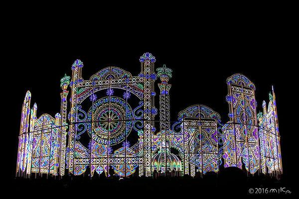 スパッリエーラ「栄光の宝石」(東遊園地・広場)①/神戸ルミナリエ2016年