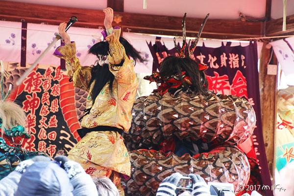 大蛇の舞(松尾大社節分祭「石見神楽」2017より)