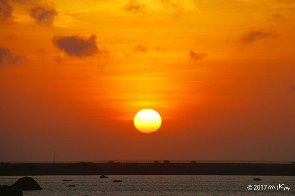 佐和田の浜の夕日(下地島)