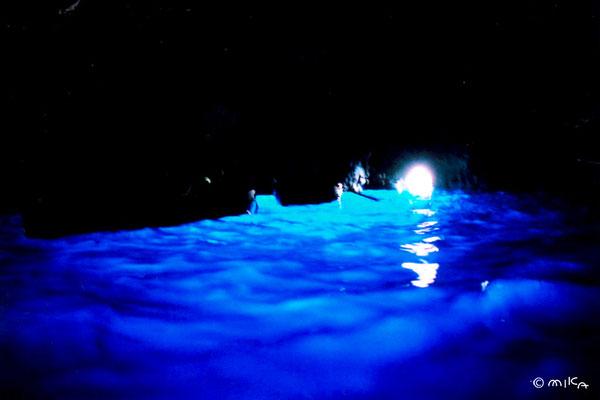 青の洞窟(ナポリのカプリ島)③
