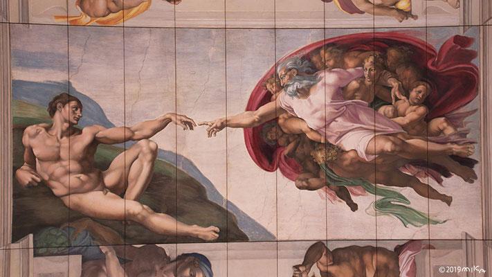 天井画「アダムの創造」(大塚国際美術館)