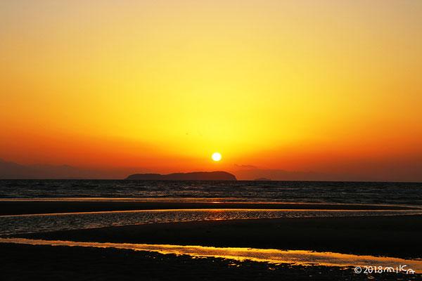 父母が浜の夕陽(干潮時)
