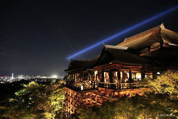 清水寺 夜の特別拝観(「未来への光~東山天空のライトアップ」にて)2015年9月