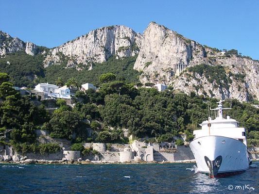 カプリ島のボートからの風景①