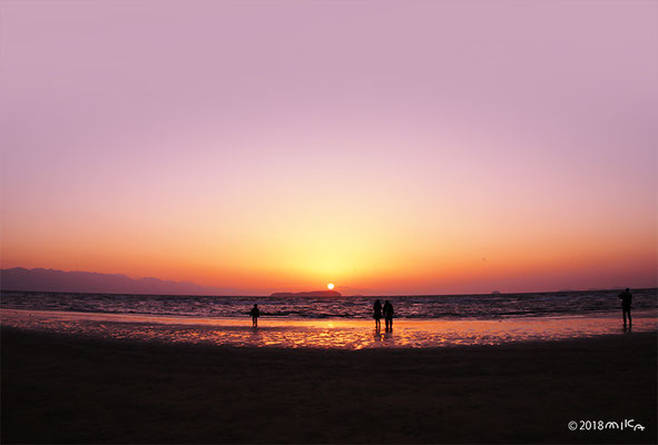 雲の上のような夕陽(父母ヶ浜)