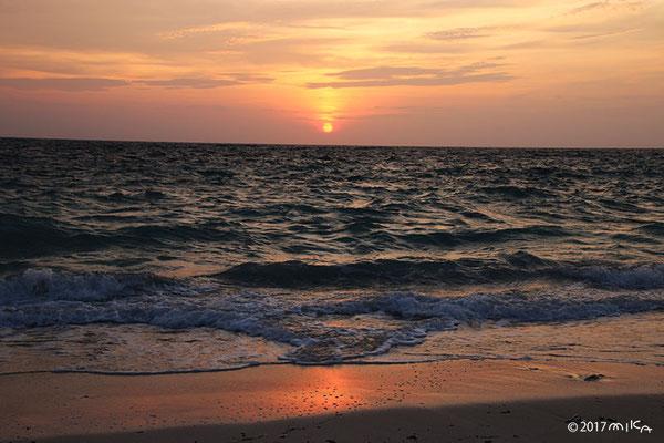 池間島西側の夕陽(イキゾー周辺)