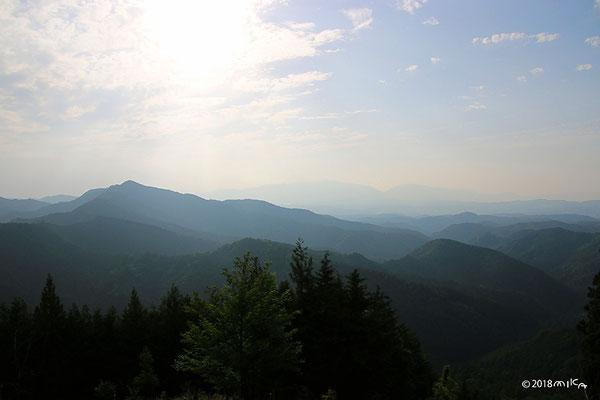 黒滝村鳳閣寺展望台より吉野山周辺の山々