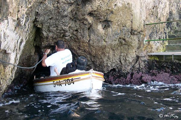 青の洞窟へ入る瞬間