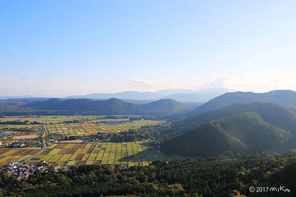 秋の田畑のパッチワーク①(滋賀県高島市)