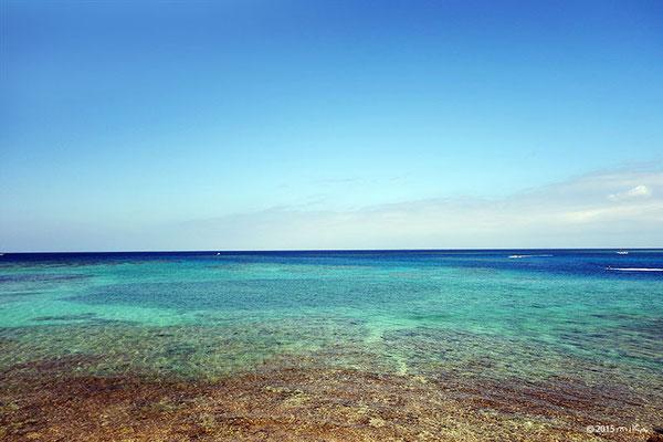 引き潮の海(恩納村/沖縄)