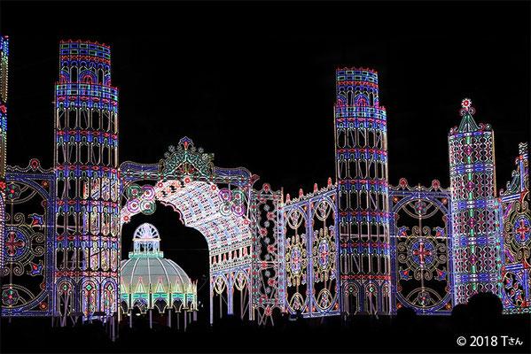 光の聖堂とカッサ・アルモニカ/ルミナリエ2018(兵庫県Tさん撮影)