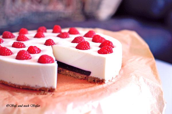 Frischkäsetorte, Torte, Götterspeise, Torte mit Himbeeren,