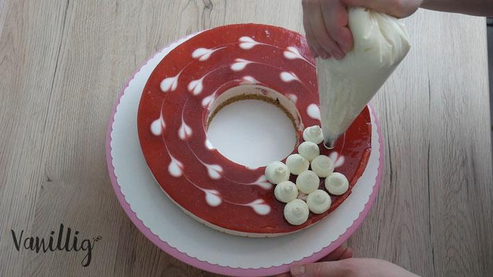 einfache und schicke Torte zu Weihnachteneinfache und schicke Torte zu Weihnachten