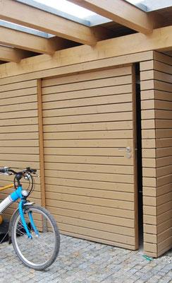 Carport Geräteraum mit Schiebetür