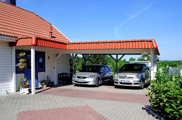Carport mit Türüberdachung