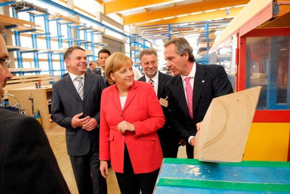 Angela Merkel in der Opitz Zukunftsfabrik