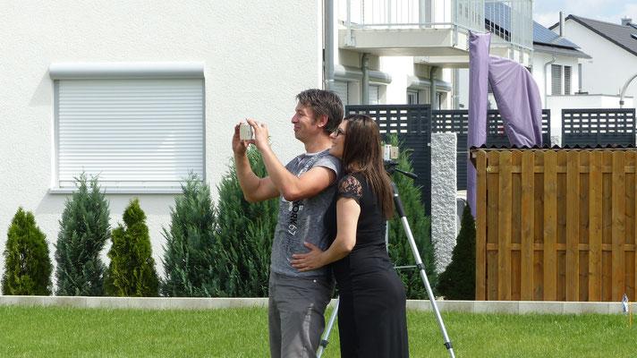 6. Bauherren beim Aufbau Ihres Terrassendachs