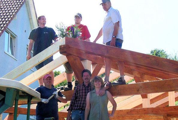 5. Bauherren beim Aufbau Ihres Carports