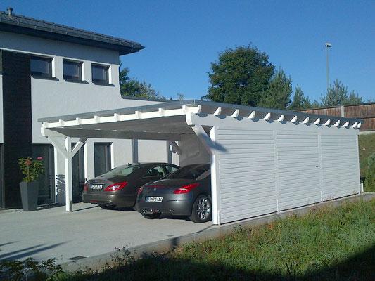 Flachdach Carport mit Geräteraum