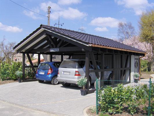 Spitzdachcarport mit Geräteraum