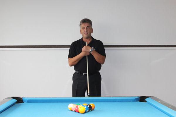 Pool Gott Arnd Bähr