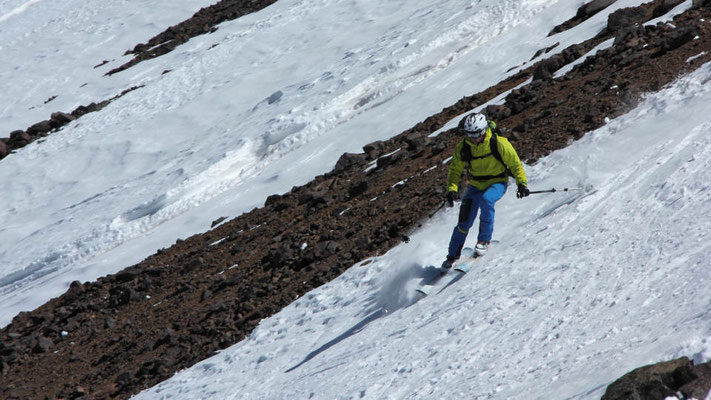 Skiabfahrt im Hohen Atlas am Jebel Toubkal