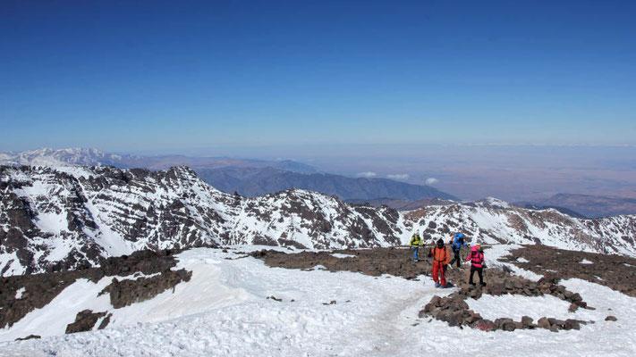 Panoram in Afrika beim Aufstieg zum Jebel Toubkal