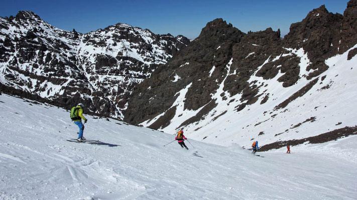 Die Skiabfahrt nach der Skitour zum Jebel Toubkal