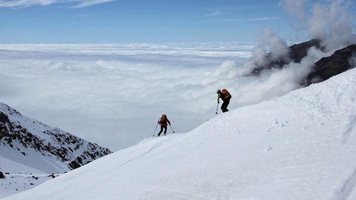 Skiabfahrt vom Bou Iguenauane in Marokko