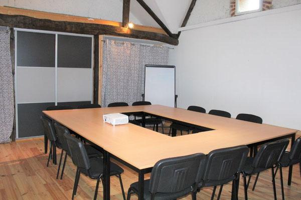 Configuration en carré salle annexe