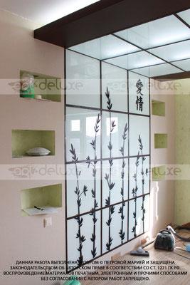 Дизайн спальни в восточном стиле, декоративный световой элемент