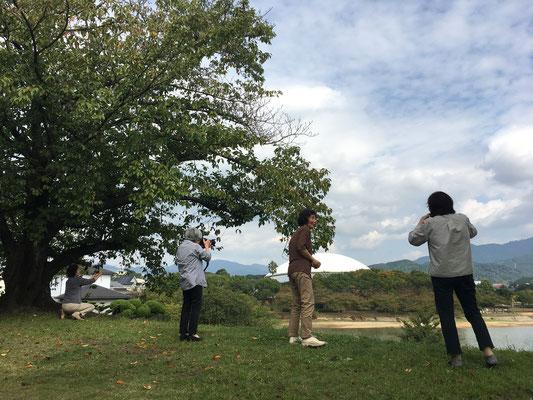 屋外での写真撮影も行います