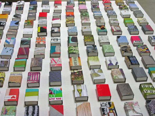 Kunst in der Schachtel (Streichholzschachtel) Außen und Innen beklebt)