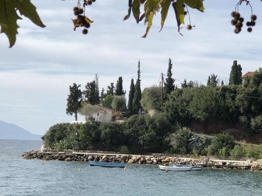 unserer kleine Kapelle am Rande der Bucht von Skaloma.