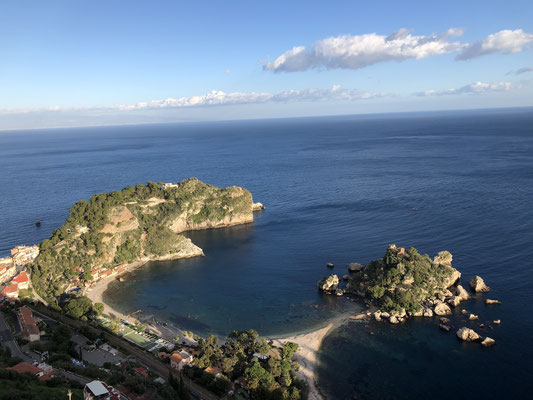 Taormina mit der Isola Bella ... einfach traumhaft.