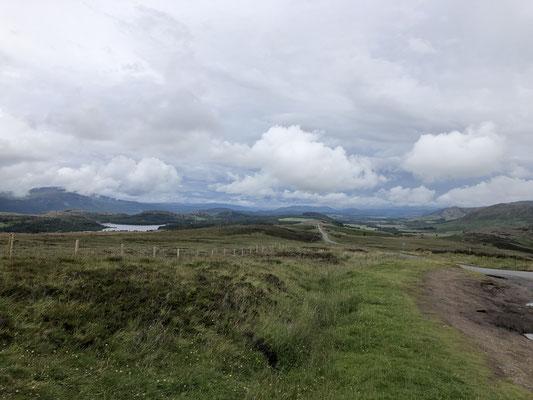 Inverness - Whitebridge ... wir fahren auf der Ostseite von Loch Ness zunächst über einen Pass und haben spektakuläre Ausblicke.