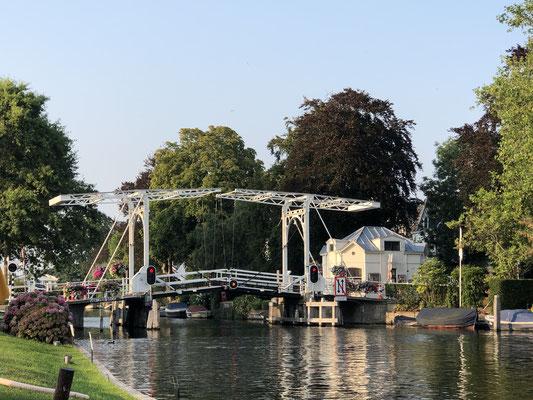 Die Zugbrücke in Vreeland.