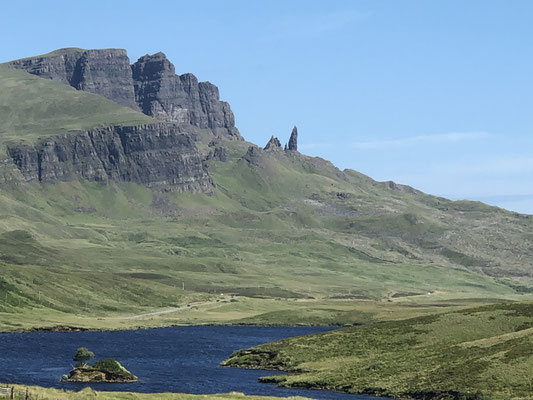 The Old Man of Storr ... das errinert uns an die Dolomiten.