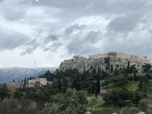 Und natürlich ist das zu toppen, die Akropolis im Schnee.