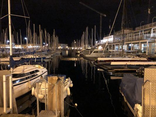 Abendspaziergang am Hafen